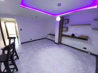 Una habitación púrpura con unas paredes púrpuras y paredes púrpuras en Apartamento en Venta BARRIO CRISTOBAL