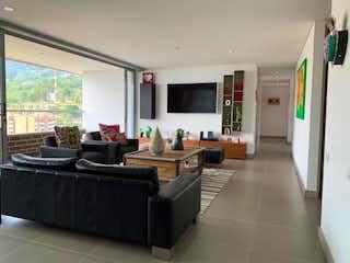 Una sala de estar llena de muebles y una televisión de pantalla plana en Apartamento en venta en El Salado 176m² con Piscina...