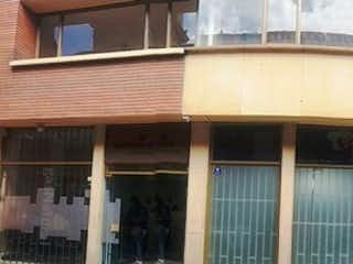 Una imagen de un edificio con una ventana en Casa en Venta, Zipaquira