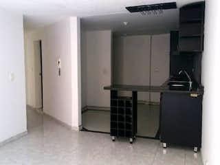 Una habitación llena de muebles y una ventana en Apartamento en venta en Barrio Teusaquillo de 3 habitaciones