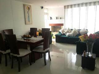 Una sala de estar llena de muebles y una ventana en Apartamento en venta en Casco Urbano Cajicá, 99m² con Balcón...
