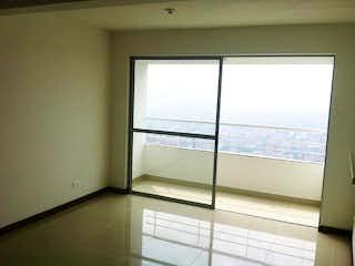 Una ventana que está en un baño en Apartamento en venta en El Volador con acceso a Gimnasio
