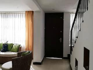 Un cuarto de baño con lavabo y ducha en Vendo casa Galerias