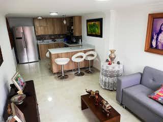 Una sala de estar llena de muebles y una chimenea en Venta Casa Sabaneta P.1 C.3494397