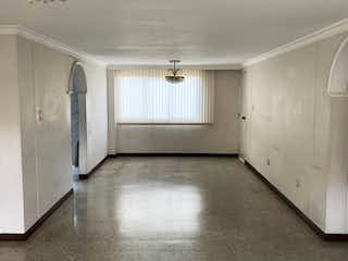Un cuarto de baño con lavabo y ducha en Apartamento en venta en La Candelaria 126m² con Piscina...