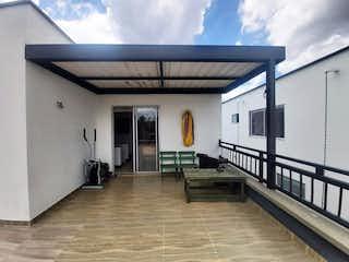 Una vista de una sala de estar y una sala de estar en Casa en venta en Santa Helena de 250m²