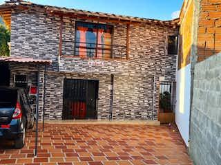Un edificio de ladrillo con un edificio de ladrillo rojo en Casa finca en venta en el municipio de La Ceja