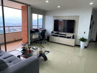Una sala de estar llena de muebles y una televisión de pantalla plana en Apartamento en venta en Prado 90m²