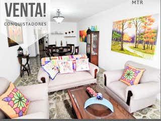 Una imagen de una sala de estar con un sofá en Apartamento en venta en Conquistadores, 116m²