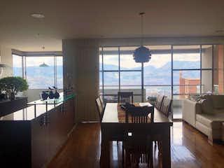 Una sala de estar llena de muebles y una gran ventana en Apartamento en venta en Casco Urbano La Calera con acceso a Piscina