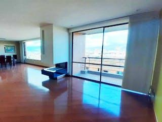 Una sala de estar llena de muchos muebles en VENTA APARTAMENTO COLINAS DE SUBA