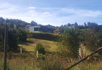 Lote en Venta en Envigado, se encuentra en unidad cerrada con  jacuzzi, gimnasio y demás comodidades.
