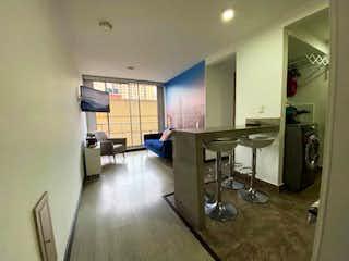 Una sala de estar llena de muebles y una ventana en APARTAMENTO EN FONTIBON PORTON DE HAYUELOS, HERMOSO! ADMIRELO!