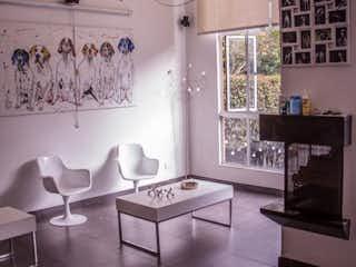 Un collage de fotos con una cocina y una cocina en En venta bella casa en Colina Campestre