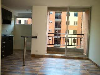 Cocina con nevera y horno de fogones en Apartamento en Venta CONJUNTO RESERVA DE MALLORCA