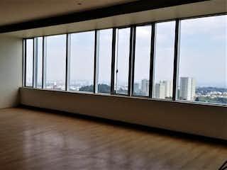 Una ventana grande en una habitación con una ventana en DEPARTAMENTO EN SANTA FE