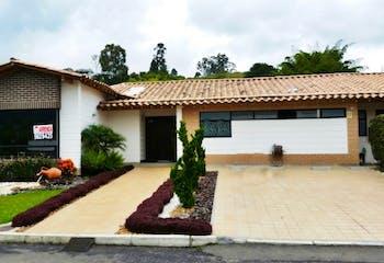 Casa en venta en El Retiro, 180m²