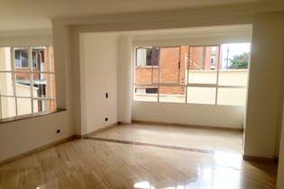 Casa duplex en poblado, Las Palmas -250 mts, 6 habitaciones.