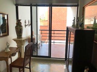 Una habitación llena de muebles y una ventana en Apartamento en venta en Las Acacias 100m² con Balcón...