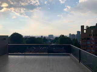 Una vista del horizonte de una ciudad desde el agua en Casa En Venta En Bogotá Santa Ana Oriental-Usaquén