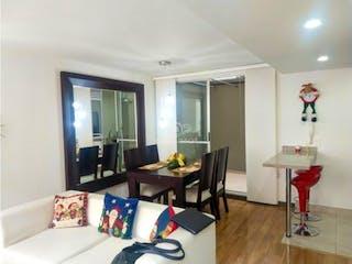 Una sala de estar llena de muebles y una mesa en Casa en Venta Wayra Club Residencial - Funza