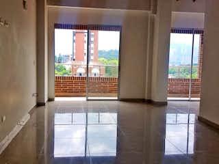 Una vista de una habitación con una puerta corredera de cristal en Apartamento en venta en Rosales de tres habitaciones