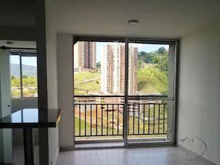Una vista de una habitación con una puerta corredera de cristal en Apartamento en venta en La Doctora de tres habitaciones