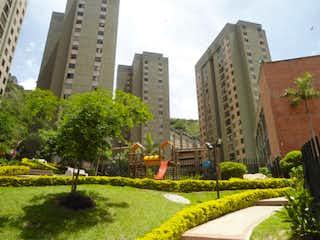 Una vista de una ciudad con edificios altos en el fondo en APARTAMENTO EN BELLO