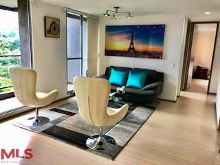 Una sala de estar llena de muebles y una televisión de pantalla plana en Amarello In (El Esmeraldal)
