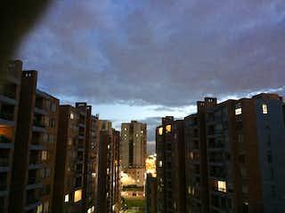 Una calle de la ciudad con edificios altos en el fondo en Apartamento en venta en Gilmar de 99m² con Gimnasio...
