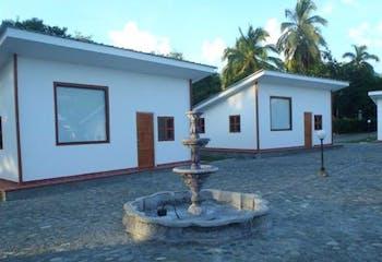 Venta de finca en Santa Fe de Antioquia, con 4 habitaciones
