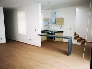 Una cocina con un mostrador, un fregadero y un refrigerador en Departamento en Venta en Santa Fe Cuajimalpa Cuajimalpa de Morelos