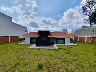 Casa en venta en Hacienda Valle Escondido, Estado de México