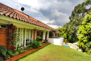 Casa en venta en El Tesoro de 4 habitaciones
