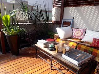 Una sala de estar llena de muebles y una planta en maceta en Casa en Venta en Portales Sur Benito Juárez