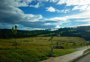 Lote en Venta en Envigado, con hermosa vista y topografía plana.