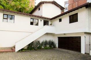 Casa en venta en Las Lomas de 5 habitaciones