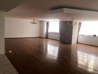 Una habitación que tiene un suelo de madera en ella en Departamento en Venta en Bosques de las Lomas Cuajimalpa de Morelos