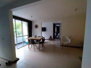 Una sala de estar llena de muebles y una ventana en Apartamento en venta en El Carmelo de 2 alcoba