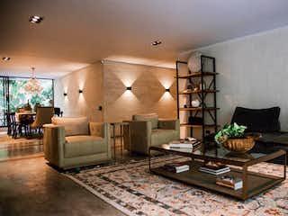 Una sala de estar llena de muebles y una mesa en Apartamento en venta en El Campestre de tres habitaciones