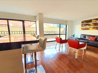 Una sala de estar llena de muebles y una gran ventana en Apartamento en venta en La Calleja de 2 hab. con Zonas húmedas...
