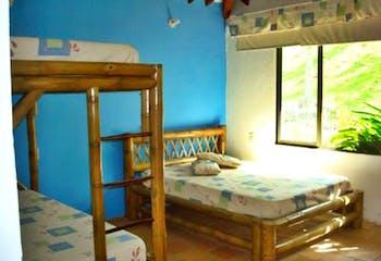 Finca en Venta en San Jerónimo, cuenta con piscina y 5 habitaciones.