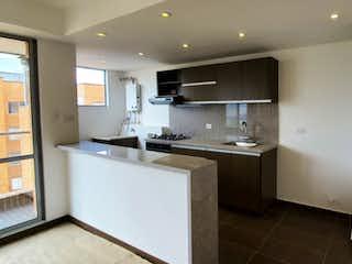Una cocina con nevera y fregadero en Tmesis 175, Apartamento en venta en San Antonio Norte de 108m² con Bbq...