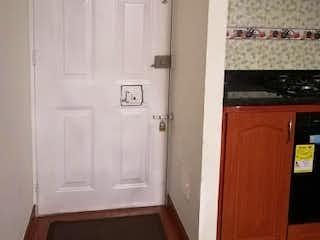 Un cuarto de baño con lavabo y ducha en Apartamento en Venta FONTIBON
