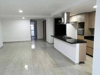 Cocina con nevera y horno de fogones en Apartamento en venta en Barrio Laureles con Balcón...