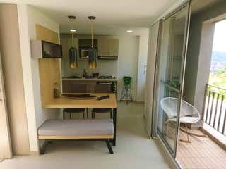 Una habitación que tiene una mesa y sillas en ella en Apartamento en venta en Calle Larga, 60m² con Piscina...