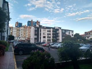 Una calle de la ciudad llena de mucho tráfico en Apartamento en venta en ándes Norte con acceso a Jardín