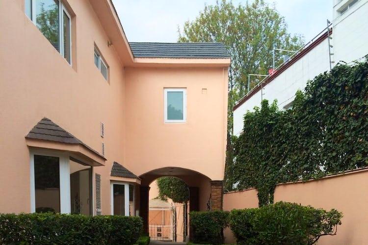 Portada Casa en venta en Lomas de Chapultepec, 451 m² con jardín y terraza