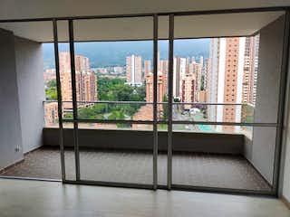 Una vista del horizonte de la ciudad desde una ventana en Apartamento en Venta SURAMERICA