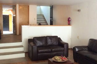 Casa en venta en Las Aguilas  366 m²